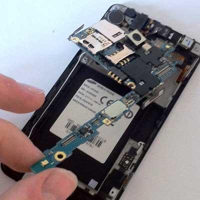 Замена модуля GSM/Wi-Fi/Bluetooth смартфона
